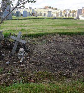 Robert Hichens Grave, Aberdeen